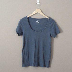 J Crew Scoop neck T-Shirt Blue EUC Med